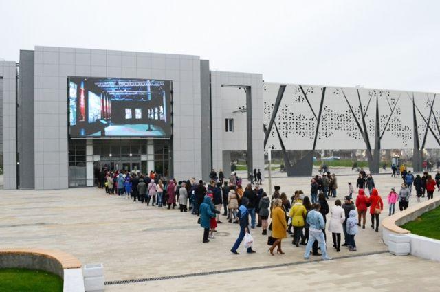 Открытие «Каспия», музея, матчи «Ротора» и новые автобусы - таким запомнился 2017-й.