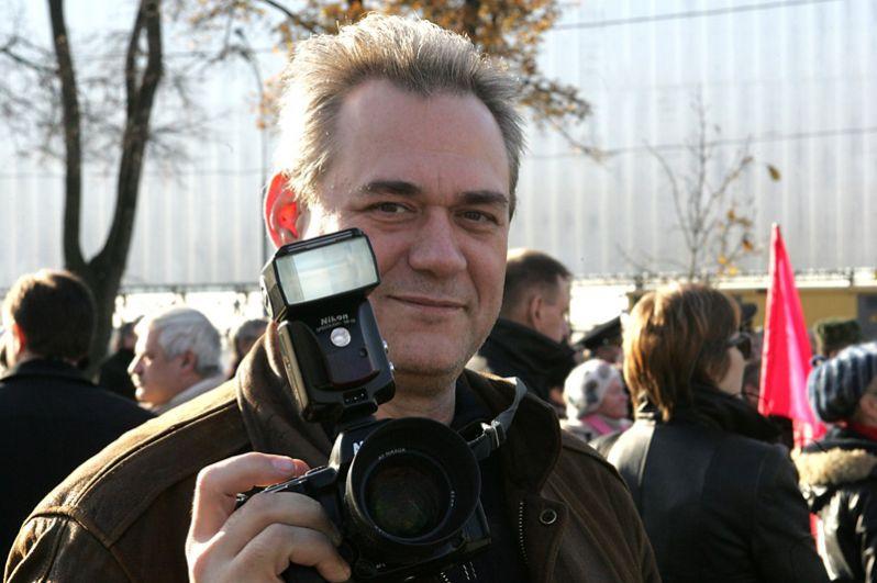 Сергей Доренко. Вел программу «Время» в 1992-1993 годах, а также с января по март 1999 года.