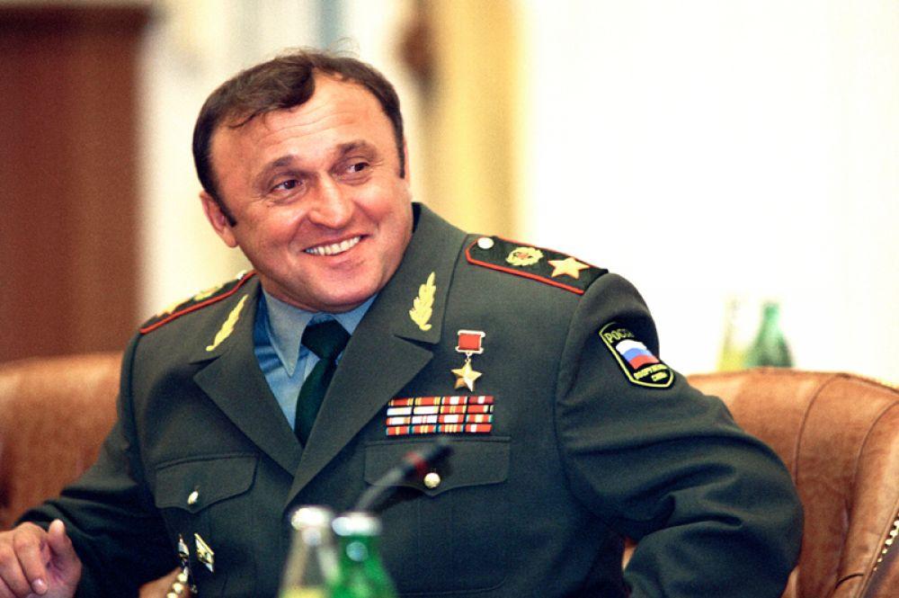 Министр обороны РФ Павел Сергеевич Грачев. 1994 год.