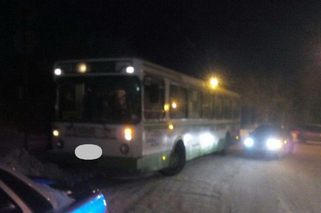 В Ясном автобус сбил 77-летнюю пенсионерку.