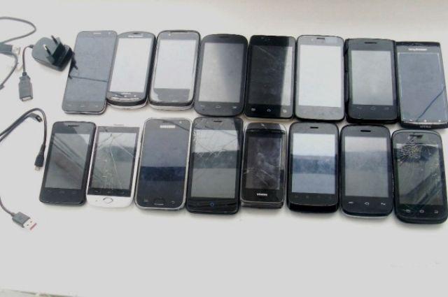 Оренбуржец пытался через забор перебросить в ИК-1 сотовые телефоны.