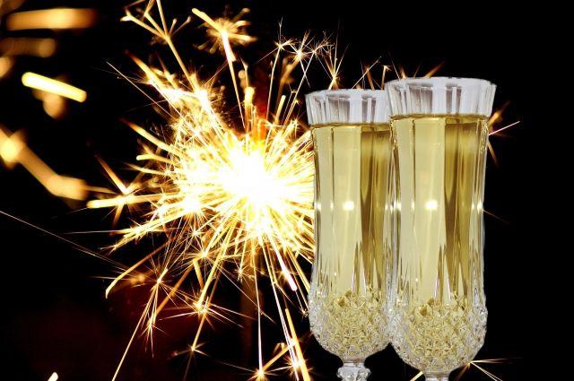 Этот Новый год запросто можно встречать только вдвоем.