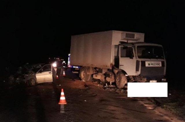 Влобовом столкновении легковушки и«МАЗа» наСтаврополье умер шофёр
