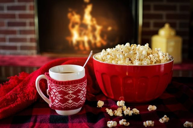 В Новый год особенно приятно наслаждаться фильмами.