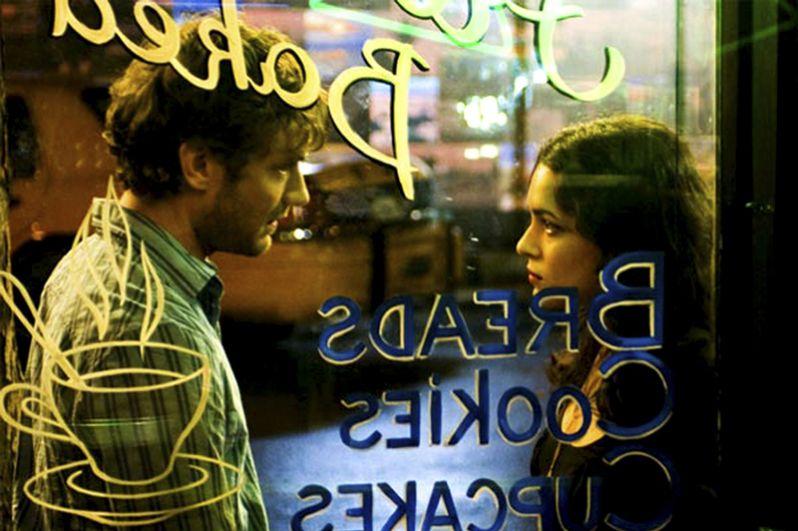 «Мои черничные ночи» (2007) — владелец кафе Джереми.