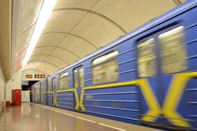 Стало известно, как вновогоднюю ночь будет работать метро