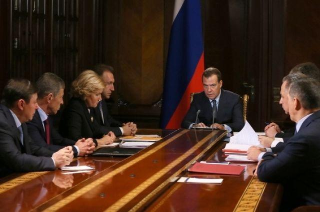 Медведев освободил Сентюрина от должности замминистра энергетики