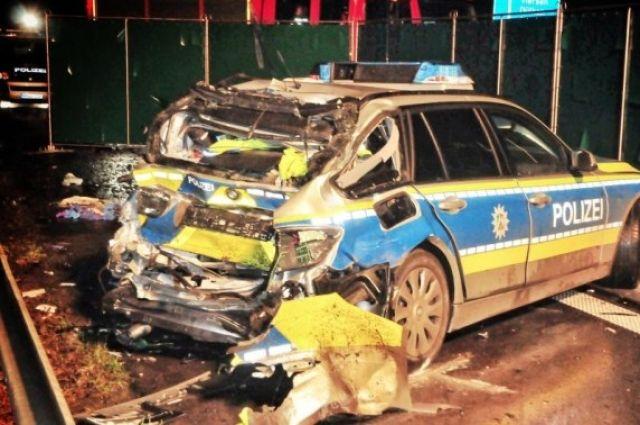 Консул в Германии: Украинец, въехавший на фуре в авто полиции, арестован