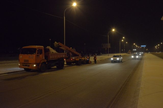 Омские дорожники будут работать круглосуточно.