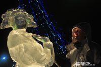 Омск украсили ледовыми фигурами.