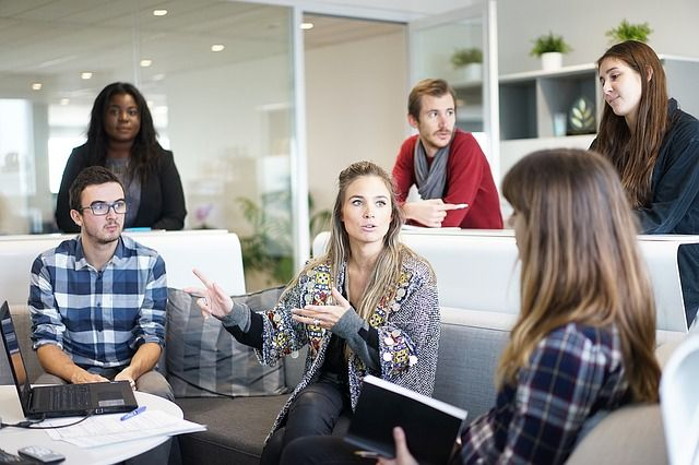 Какие бонусы может получить студент на работе?