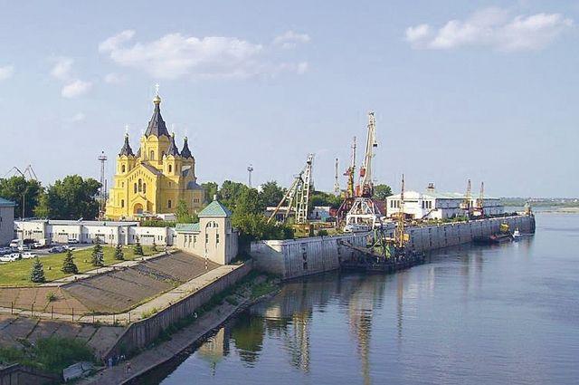 Сейчас специалисты говорят, что порт на Стрелке размещать было нерационально.
