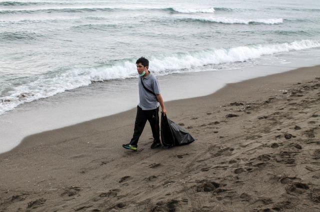 Наострове Бали объявленоЧП из-за огромного количества мусора