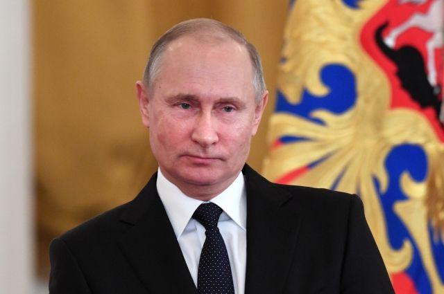 Путин поручил разобраться с законом об использовании «шпионских» гаджетов