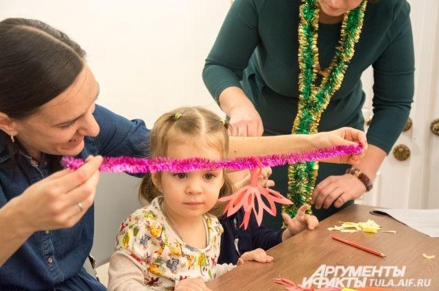 Активно жители участвуют и в праздновании масленицы и новогодних мероприятиях