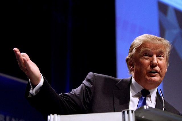 Президент США Дональд Трамп поздравил американцев сНовым годом