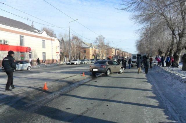 В Новотроицке в канун Нового года Renault насмерть сбил 16-летнюю девушку.