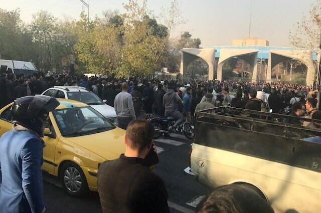 4 человека погибли в итоге беспорядков наюго-западе Ирана— AFP
