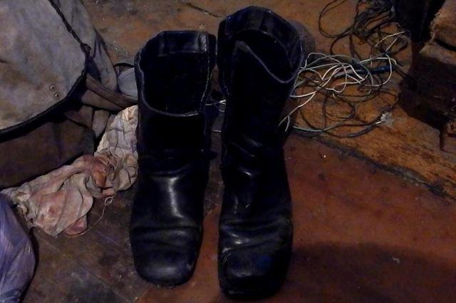 Похищенная обувь.