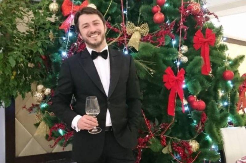 Сергей Притула встречал Новый год на работе - вел корпоратив, но успел поздравить своих фанатов с праздником в социальных сетях.