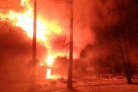 80% возгораний происходит в частном жилье. В праздники люди расслабляются, пользуются открытым огнём, запускают фейерверки, курят в нетрезвом виде.