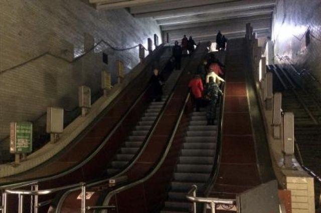 В Киеве заработал эскалатор скоростного трамвая