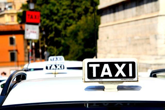 ВУфе такси протаранило строение милиции из-за нетрезвого пассажира