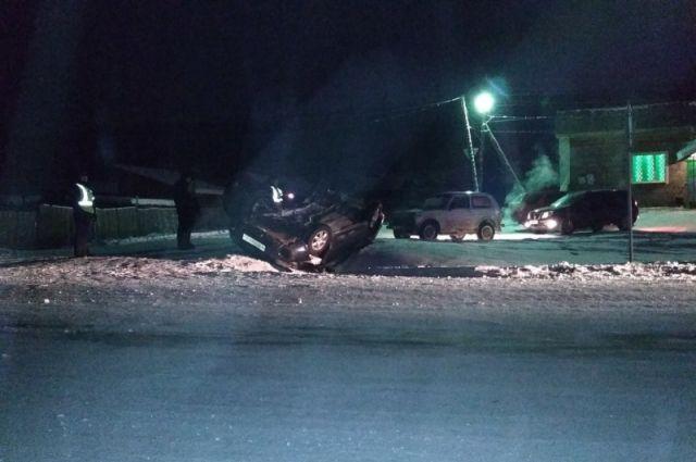 ВКрасноярском крае при ДТП с грузовым автомобилем погибли 4 человека