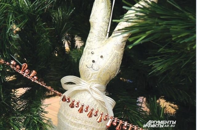 Тюменцам советуют поливать новогодние елки, чтобы они оставались свежими