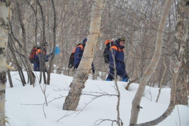 Хабаровские cотрудники экстренных служб вывели заблудившихся у«Мишкиной берлоги» туристов