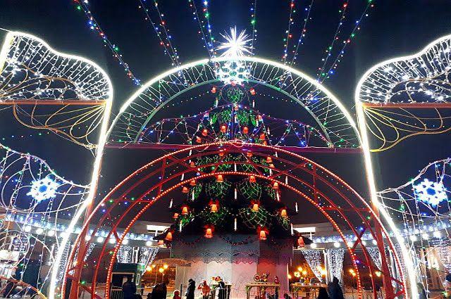 Тюменские новогодние елки украсили 6 км гирлянд