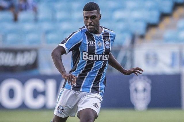 Полузащитник «Гремио» перешел в«Балтику», став первым бразильцем вистории калининградского клуба