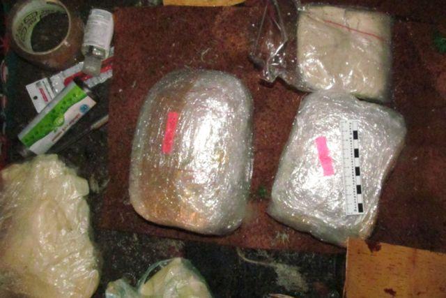 ВСаратове милиция нашла тайник скрупной партией наркотиков