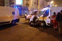 В Запорожье фура столкнулась со «скорой помощью», которая везла пациента