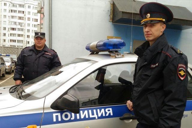 Чтобы остановить разборку, полицейскому пришлось сделать предупредительный выстрел.