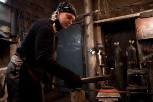 Превращение заготовки в произведение искусства или просто красивый предмет завораживало Ольгу с детства.