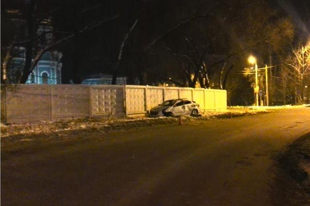 Одна из пассажирок иномарки скончалась в больнице от полученных травм.