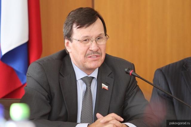 ВПскове простятся сразбившимся вДТП вице-спикером облдумы