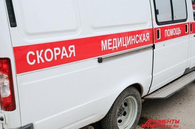 Пострадавшего передали врачам Скорой помощи.