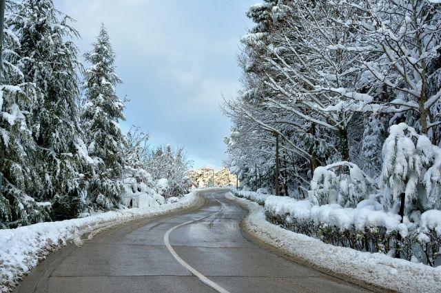НаСтаврополье сильный снег осложнил ситуацию на трассах