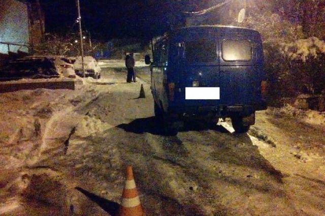 Ребенок насанках попал под колеса джипа вСтаврополе