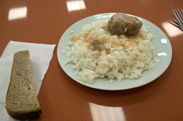 Стоимость бесплатного школьного обеда будет дифференцированной для юга и севера Приангарья.
