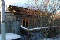 Под Тюменью в аварийном доме женщина прописала 168 человек