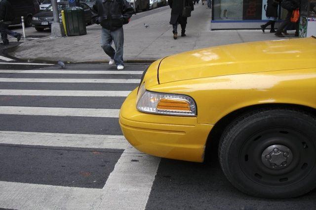 Неповерила таксисту: вЯрославле бабушка нарвалась намошенников
