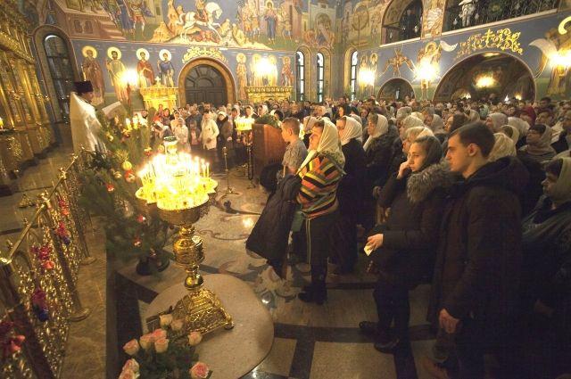 Рождественская служба в храме Сургута