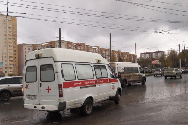 «Скорые» проезжали мимо. Наулице Челябинска скончалась женщина, недождавшись помощи врачей