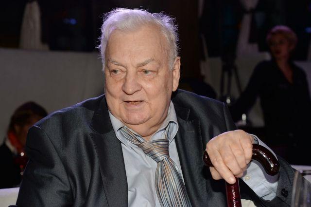 15:22 10/01/2018<br /> 1<br /> 264</p> <p>Михаил Державин будет похоронен на Новодевичьем кладбище  </p> <p>Прощание с артистом пройдет 15 января
