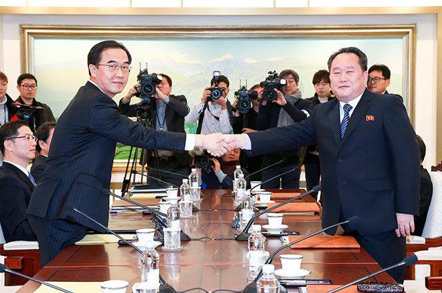 Переговоры представителей Южной Кореи и КНДР.