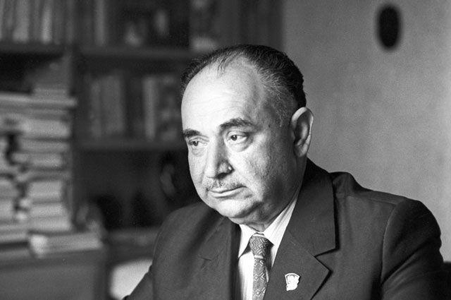 Иосиф Григулевич.