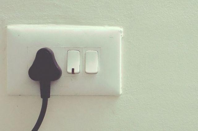 Предварительная причина пожара – нарушение правил эксплуатации электрооборудования.